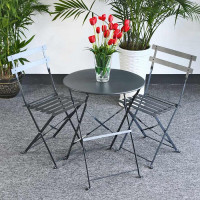 Choose this foldable bistro set Alessia Grey for its light aluminium frame and its smart contemporary design.
