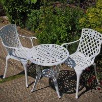 White_2_seater_Rose_Garden_Table_Set_6